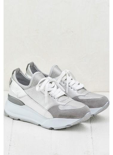Elle Dolgu Topuklu Ayakkabı Beyaz
